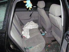Krádeže dětských autosedaček.