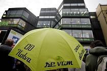 Slavnostní otevření zrekonstruovaného obchodního domu Kotva proběhlo 4. listopadu v Praze.