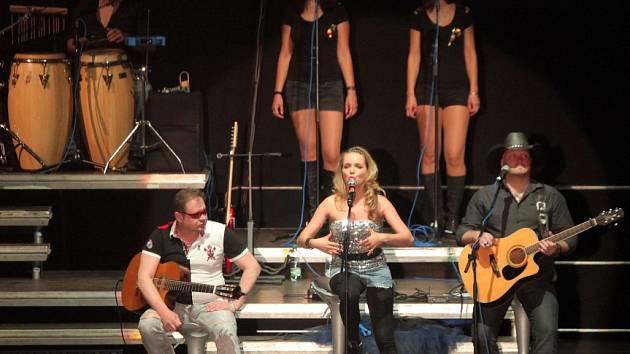 HIT TOUR 2013 Michala Davida a Lucie Vondráčkové v O2 Aréně 26.června.