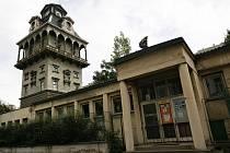 Letenská vodárna je pseudorenesanční stavba z roku 1888 od architekta Jindřicha Fialky.
