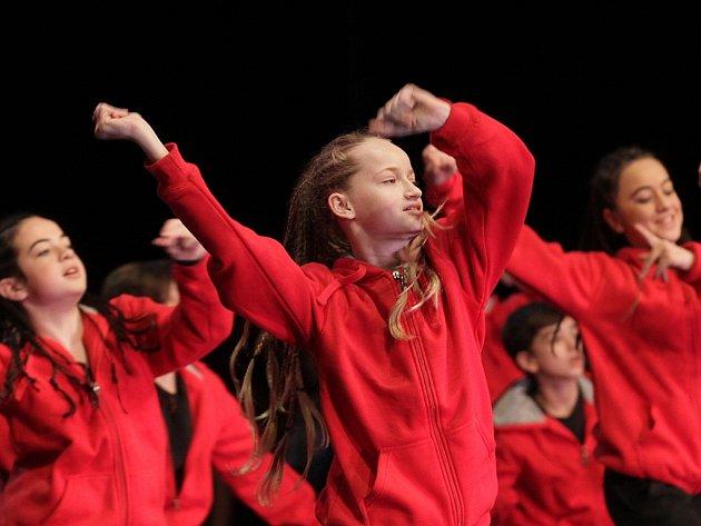 XII. Mezinárodní festival pro děti a mládež 'Zimní pohádka 2016'. Gala koncert se uskutečnil v divadle Hybernia.. Na snímku odpolední příprava.
