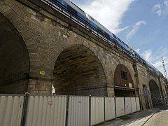 Rekonstrukce Negrelliho viaduktu.