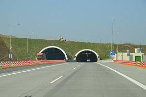 Komořanský (Cholupický) tunel.