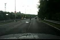 Pronásledování motorkáře.
