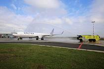 United Airlines spouští sezónní přímou linku z Prahy do New Yorku na letiště Newark.