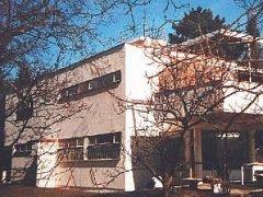 HAJNOVA VILA je zapsána v seznamu kulturních památek. Navrhl ji architekt Ladislav Žák.