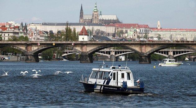 Lodě na Vltavě. Ilustrační foto.