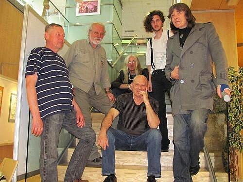 V galerii pre vystavují svá Vladimír Hochman, Michal Jožák, Petr Prokop, Josef Spurný, Jakub Spurný, Iveta Vlčková a Bob Hochman.
