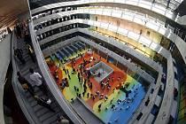 09-09-09. Datum, kdy se slavnostně otevřela Národní technická knihovna. (Vestibul)