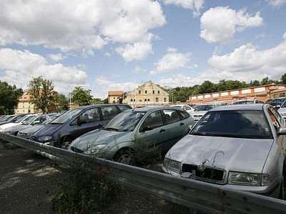 Počítat místa pro auta na Jižním Městě má akciová společnost.