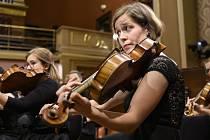 Česká studentská filharmonie koncertem s názvem A přece se učí! poděkuje v sobotu večer všem, kdo pečují o vzdělání.