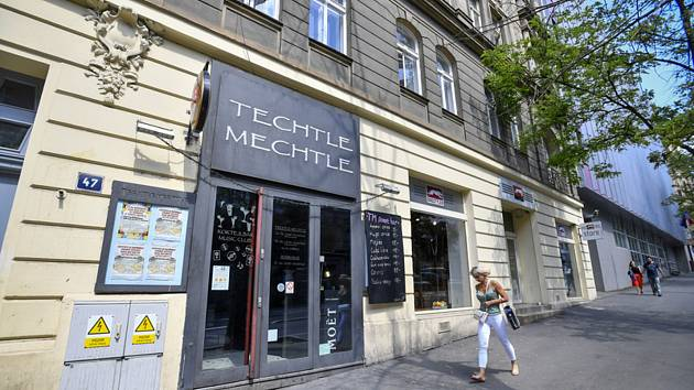 Noční klub Techtle Mechtle.