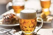 Restaurace Kuchyň u Pražského hradu oznámila konec. Teď však majitelé jednají o záchraně a hospoda otevřela pivní terasu.