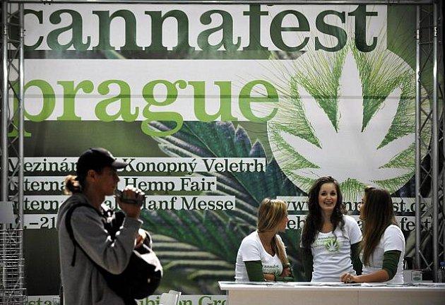 V Thámových halách odstartoval festival Cannabizz 2010. Potrvá do devatenáctého září.