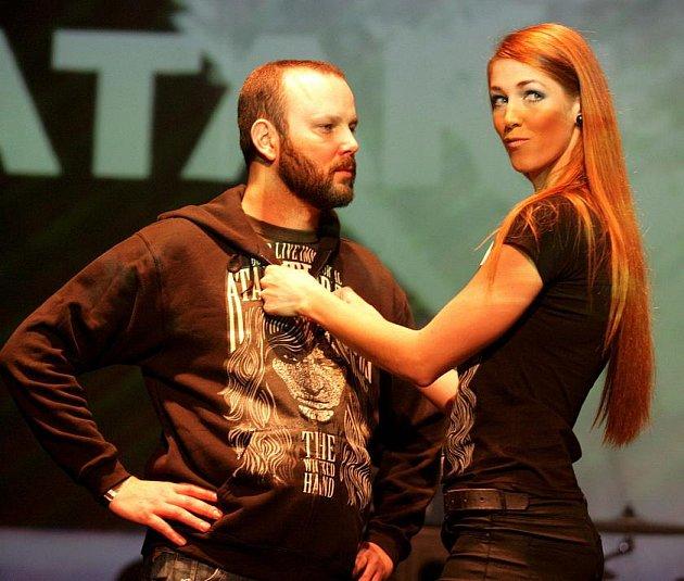 Megaton Fashion Show 2011 se konala ve čtvrtek 15. prosince v Paláci Akropolis na Žižkově. Na programu byla modní přehlídka kapel, předání vydražených kytar, vyhlášení vítězů soutěže o nejlepší hudební desing a koncer kapely Atari Terror.
