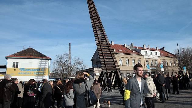 Památník Brána nenávratna - nádraží Bubny.