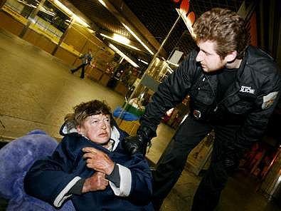 Osud alkoholiků - bezdomovců bývá většinou smutný.