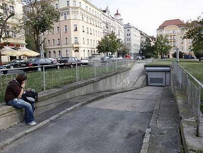 Na tomto místě plánuje Praha tři podzemní garáže pro 400 aut.