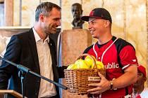 Pražský primátor Zdeněk Hřib a kapitán softbalové reprezentace David Mertl.