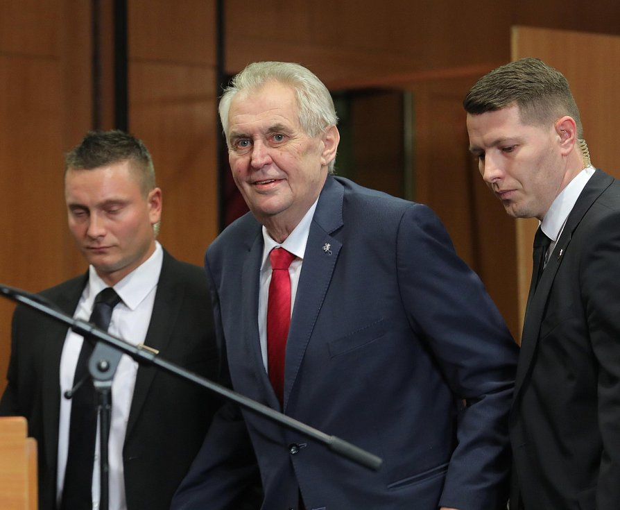 Štáb prezidenta Miloše Zemana v Top hotelu Praha. Prezident Miloš Zeman obhájil.