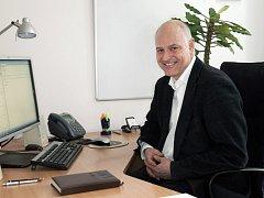 Profesor Karel Melzoch je rektorem Vysoké školy chemicko-technologické v Praze.