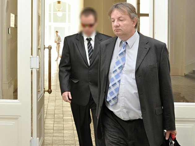 Městský soud v Praze řešil údajný sexuální útok na dvě šestileté předškolačky. Dětem jsem neublížil, opakoval obžalovaný Martin Č., někdejší instruktor plavání v plaveckém bazénu v Hloubětíně.