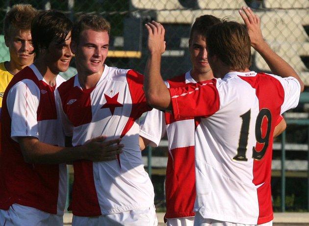 Junioři pražské Slavie porazili na úvod sezony loňského vítěze Juniorské ligy, brněnskou Zbrojovku, 2:0.