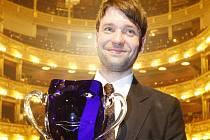 VÁCLAV NEUŽIL je členem souboru Dejvického divadla od roku 2006.