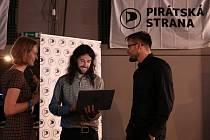 Čekání na výsledky voleb ve štábu Pirátské strany na lodi Cargo  Gallery.