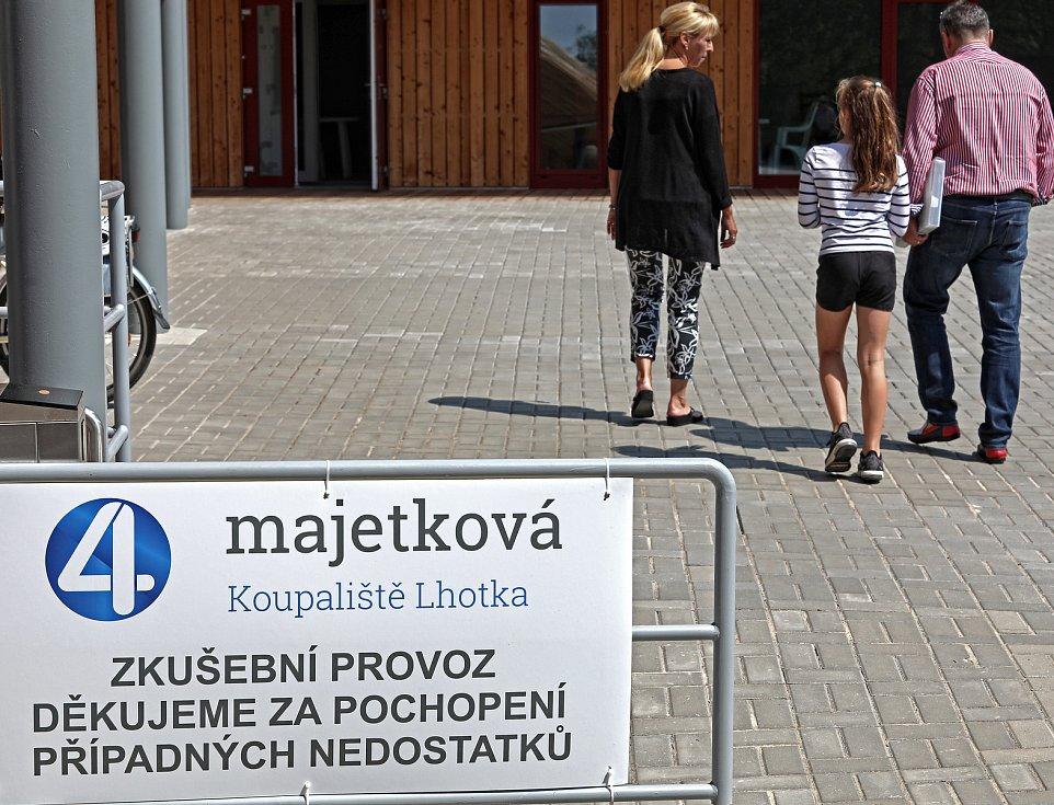 Otevření přírodního koupaliště Lhotka v Praze 4.