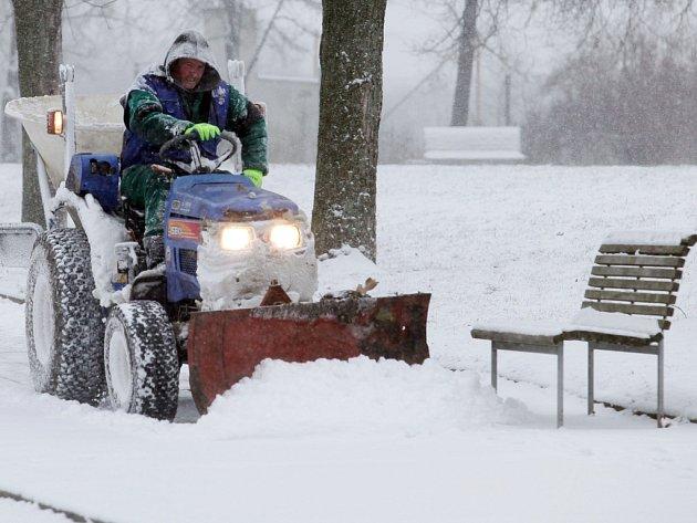 Praha má první sněhovou nadílku této zimy.