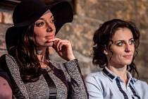 Pražské Hudební divadlo Karlín představilo 16. března nový muzikál Bonnie a Clyde. Dasha a Markéta Procházková.