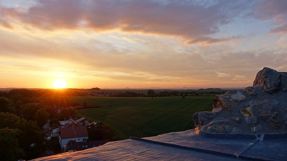Výhled z hradu Jenštejn