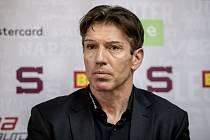 Hokejové pražská Sparta uspořádala 11. září v Praze tiskovou konferenci. Na snímku trenér Uwe Krupp.