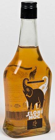 Bylinný likér Sloní moč.