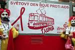 Tramvaj proti AIDS již pojedenácté v pražských ulicích.