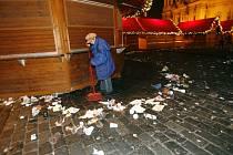 Novoroční úklid na Václavském a Staroměstském náměstí.