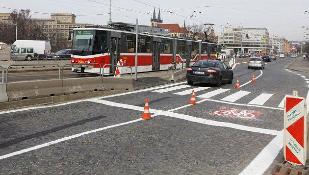 Nová tramvajová zastávka Štvanice.