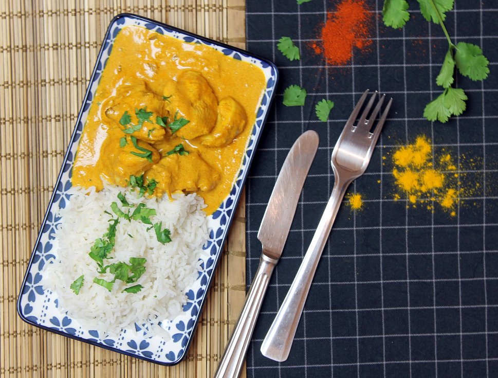 Uvařit si můžete třeba butter chicken s rýží basmati