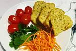 Přinášíme vám další skvělý recept od čtenářky Terezy. Nyní na skvělou sekanou z tofu. Dobrou chuť!