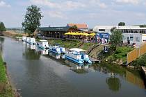 Moravský Baťův kanál je pro Ředitelství vodních cest a radnice středočeských měst inspirací, jak by jednou mohla vypadat rekreační plavba na Labi.