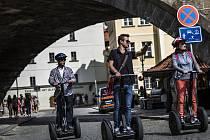 Turisticky oblíbená místa v Praze by mohla být brzy bez vozítek.