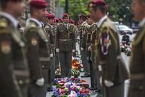Pietní akt k 73. výročí boje parašutistů po atentátu na zastupujícího říšského protektora v Čechách a na Moravě Reinharda Heydricha se uskutečnil ve čtvrtek 18. června 2015 před kostelem sv. Cyrila a Metoděje v Praze.