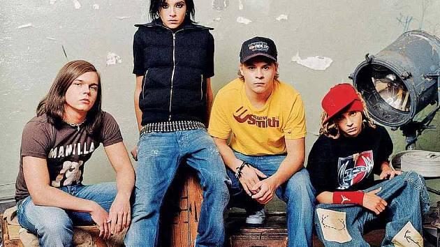 Tokio Hotel. Zvolená image není pózou. Shoduje se hvězdná čtyřka.