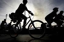 OPĚT NA NÁS NEMYSLELI. Po rekonstrukci okolí stanice metra Vysočanská se toho pro cyklisty příliš nezměnilo./Ilustrační foto