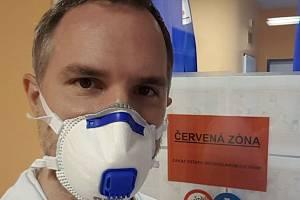 Pražský primátor Zdeněk Hřib (Piráti) se chystá nastoupit jako dobrovolník do nemocnice. Hřib absolvoval lékařskou fakultu.