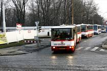 PROBLÉMY S BLANKOU. Výstavba tunelu vyhnala tramvaje z Letné do konce června. Náhradní autobusy nabírají v přeplněných ulicích mnohaminutové zpoždění./Ilustrační foto