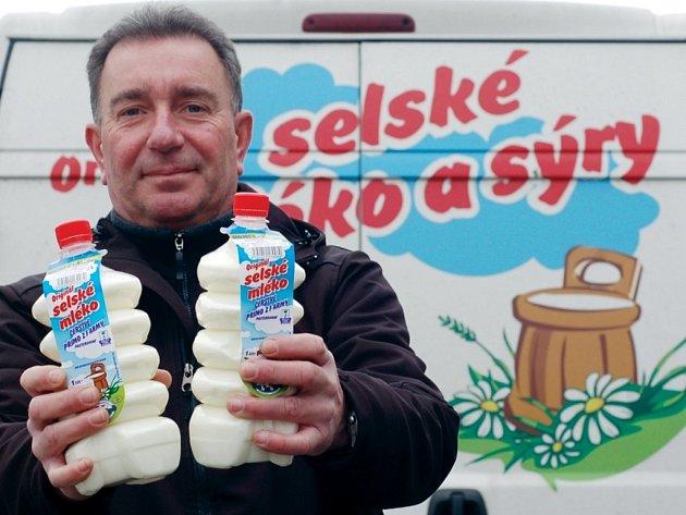 Někteří farmáři vozí lidem mléko až pod nos.