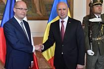 Bohuslav Sobotka a moldavský premiér Pavel Filip.