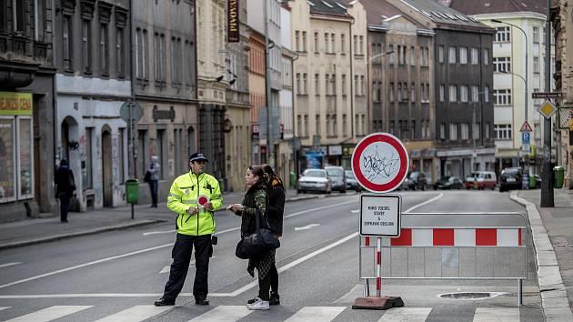Uzavírka kvůli plánované rekonstrukci ulice Husitská na pražském Žižkově 13. března v Praze.